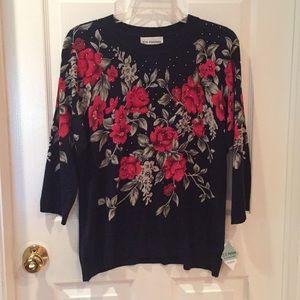 🌹C.D. Petites 3/4 sleeve floral sweater
